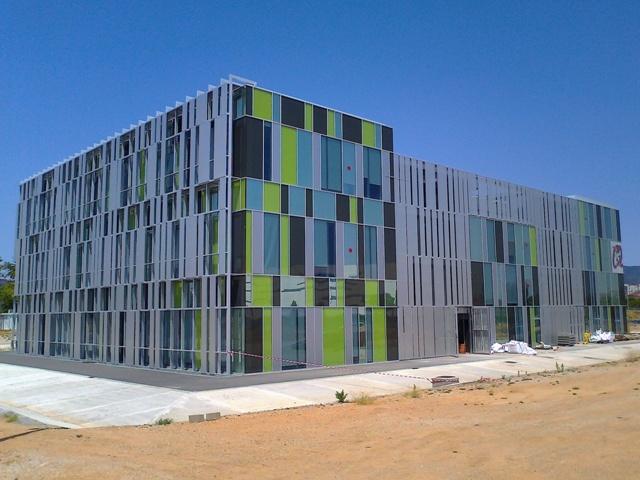 Escuela de arquitectura de reus softec fachadas sl - Fachadas arquitectura ...
